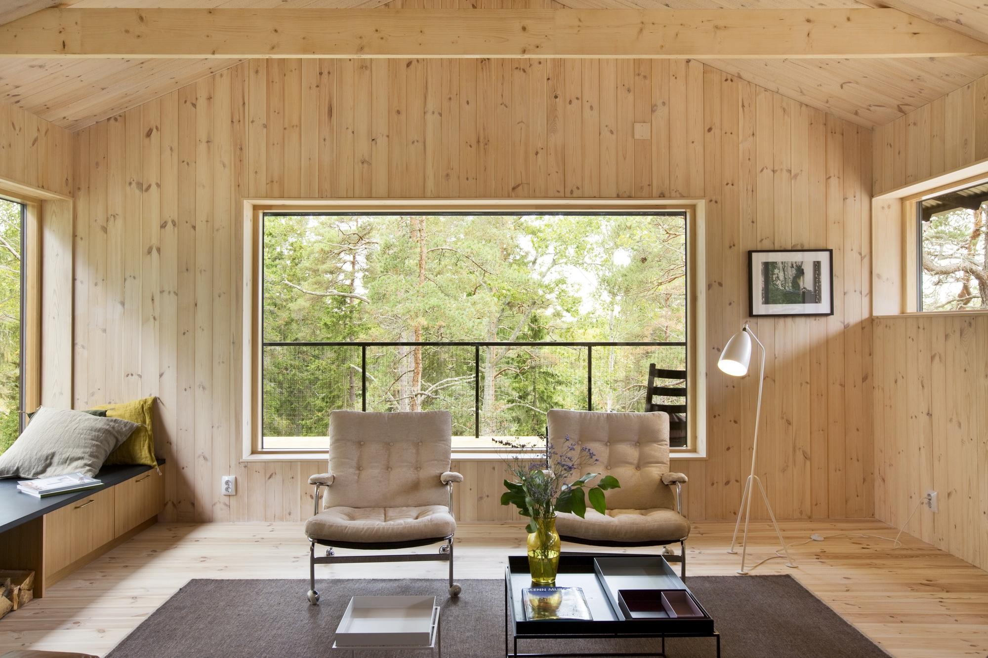 Dise o de casa peque a de madera fachada planos interior for Diseno de interiores para oficinas pequenas