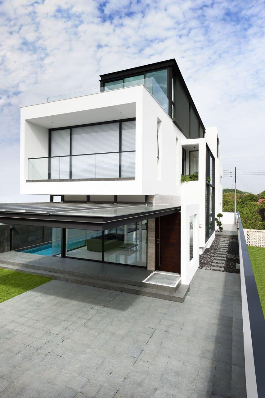 Plano de casa de dos pisos peque a fachada e interiores for Planos terrazas exteriores