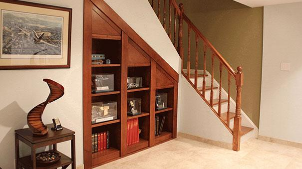 Dise o de habitaciones ocultas ideas para construir en casa for Muebles bajo escalera fotos