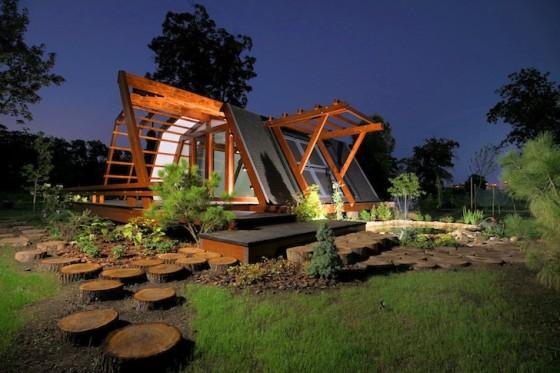 Casa pequeña  de madera autosustentable