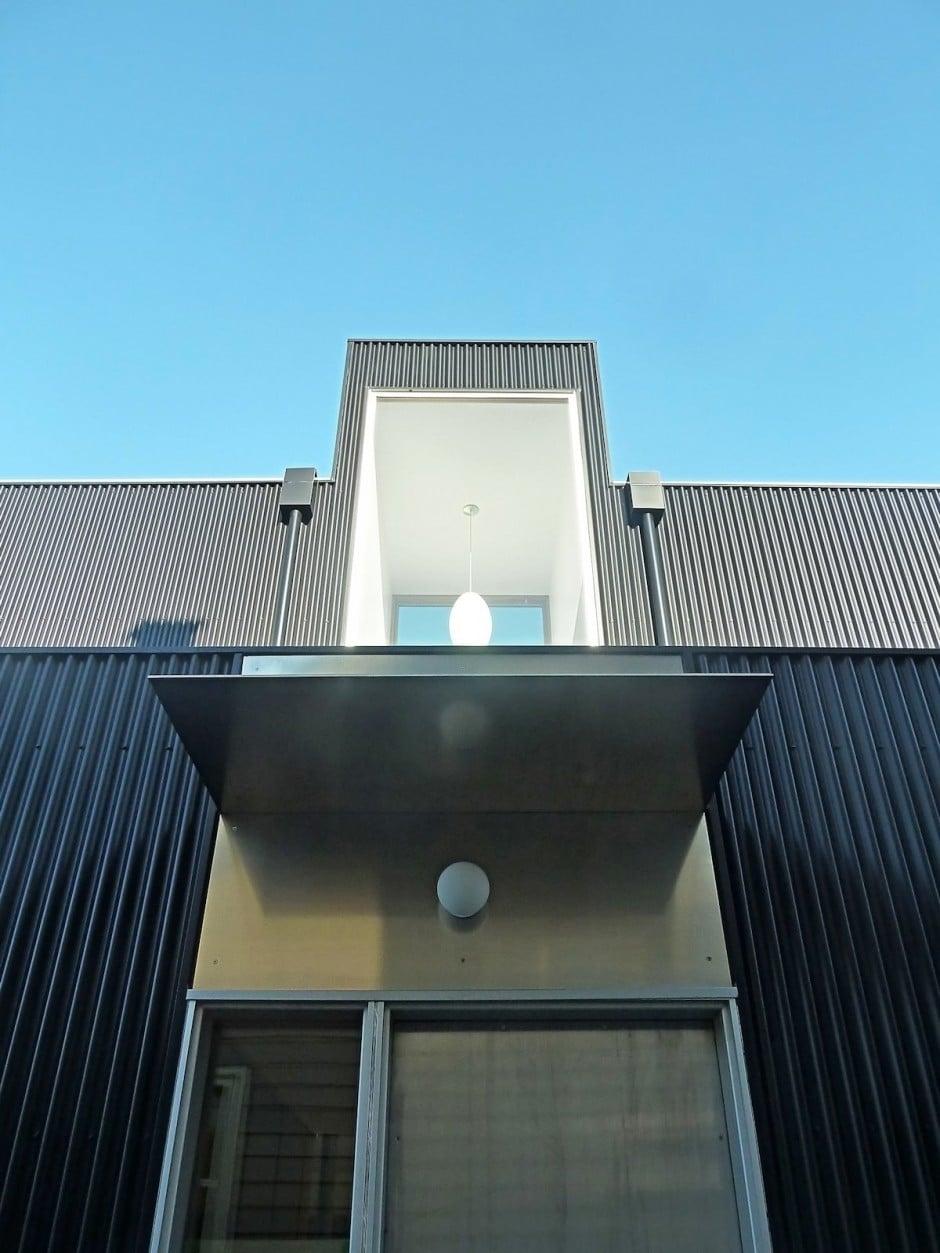 Planos de casa de dos pisos en terreno peque o construye - Puertas de piso a techo ...