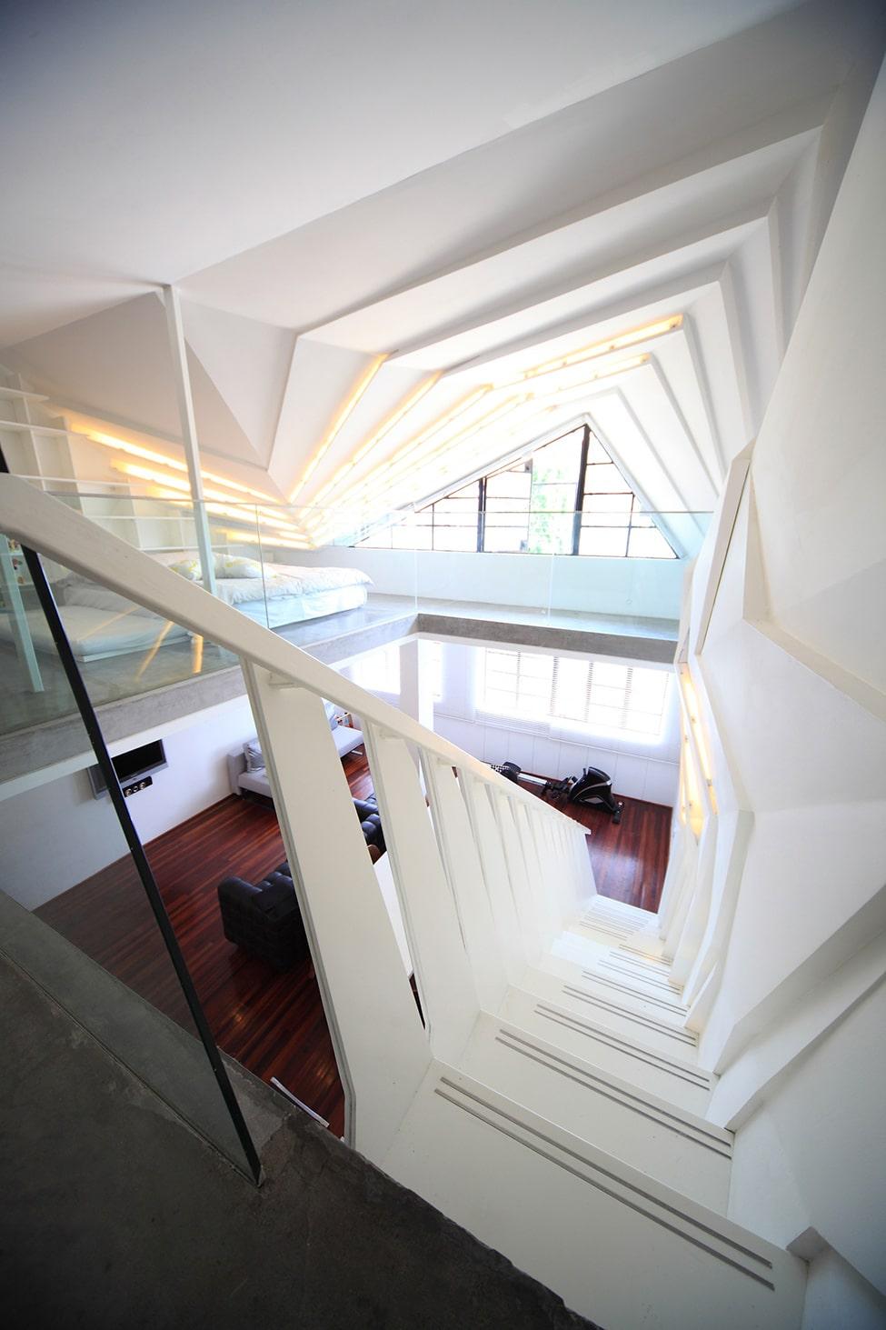Dise o de apartamento peque o tipo duplex sofisticado for Diseno de apartamentos de 45m2