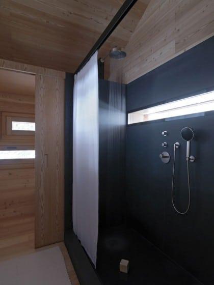 Diseño de cuarto de baño casa madera