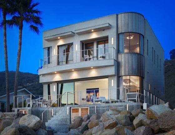 Diseño de fachada posterior de casa de playa