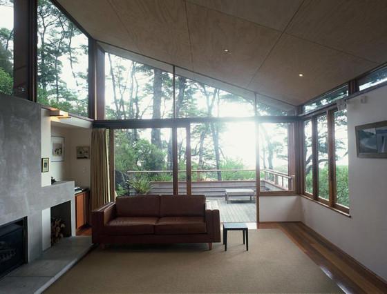 Diseño de sala de casa en la montaña