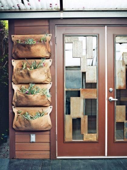 Dise o de casa muy peque a de madera fachada e - Casa pequena de madera ...