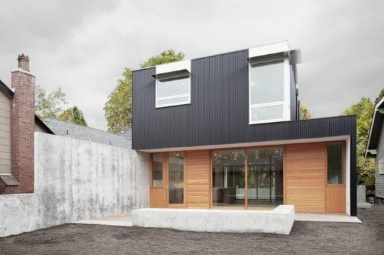 Fachada posterior de casa de dos pisos