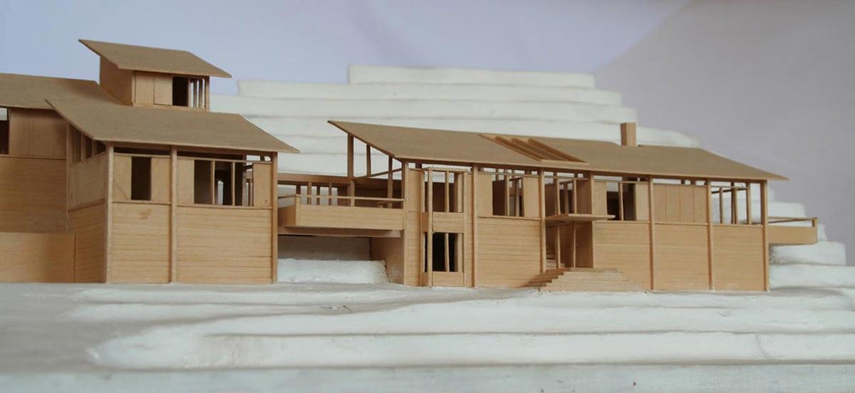 Dise o de casa en la monta a fachada interior y maqueta for Detalles de una casa