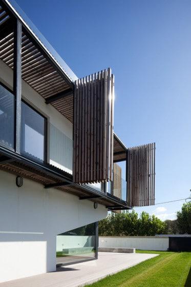 Diseño de balcón plegable de madera de pino