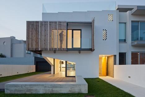 Diseño de balcón plegable