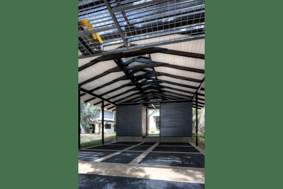 Diseño de cochera en exteriores de la casa
