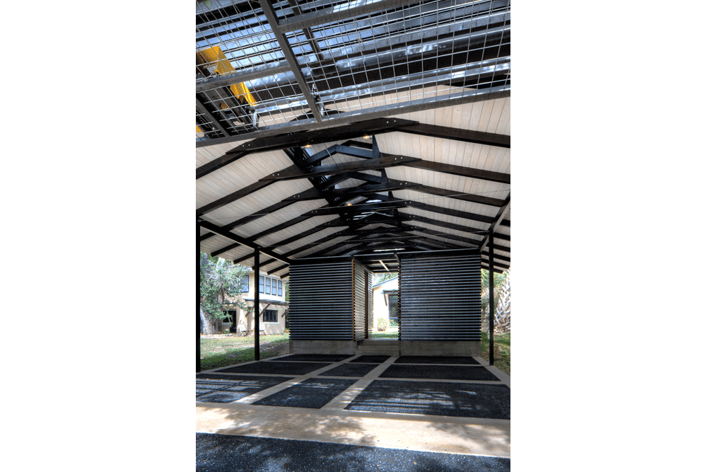 Dise o de garage cochera en exteriores de casa for Diseno de casas pequenas exteriores