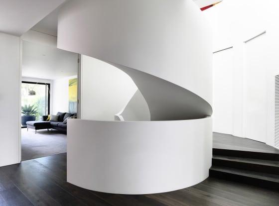 Diseño de escalera circular construida en hormigón