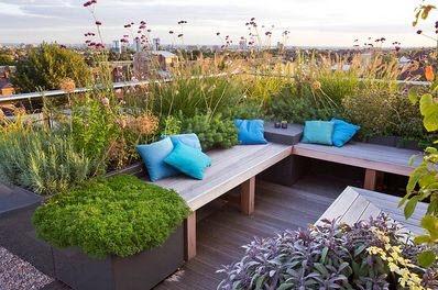 Diseño de jardín pequeño en el techo de una vivienda