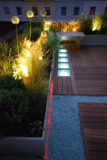 Diseño de iluminación de jardín en el techo