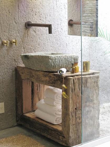 Diseño original de cuarto de baño con objetos reciclados