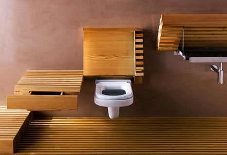 Diseño original de cuarto de baño con sanitarios de madera