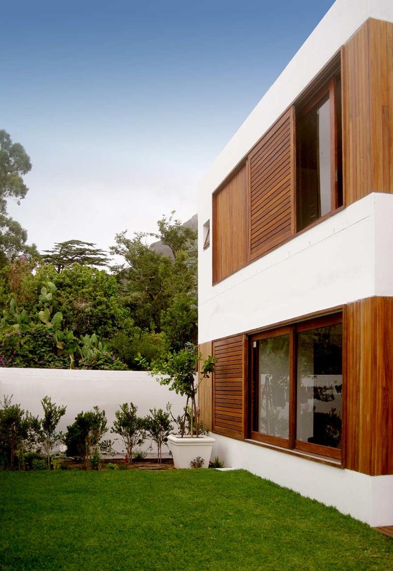 Planos de casa de dos pisos construida en terreno cuadrado for Fachada casa 2 pisos
