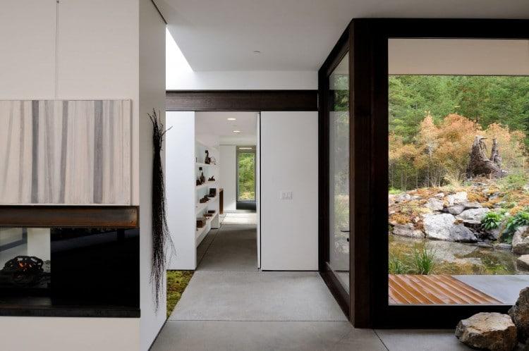 Dise o de casa de campo econ mica y moderna construcci n for Casas pintadas interior colores