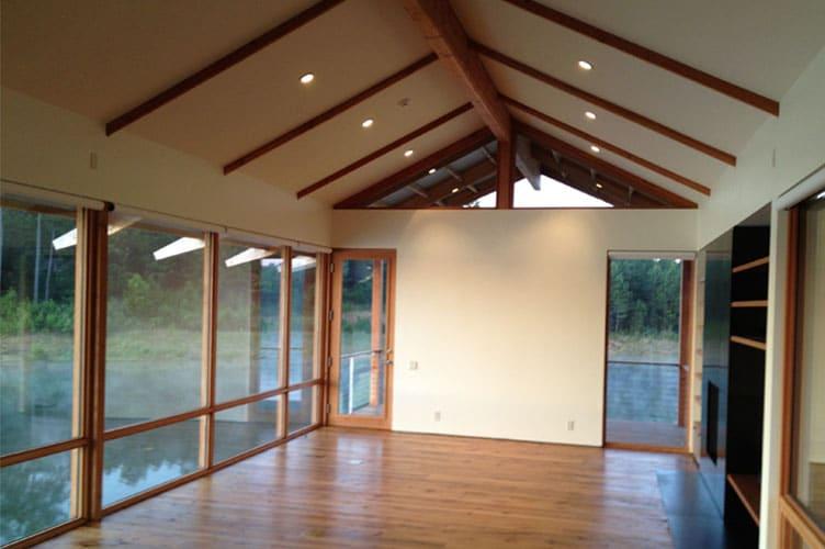 Dise o y construcci n de casa de madera sobre lago for Diseno de la casa interior
