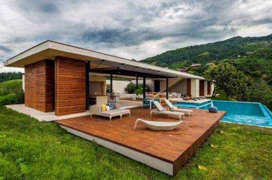casa con piscina en el campo