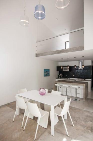 Diseño de pequeño comedor y cocina minimalista