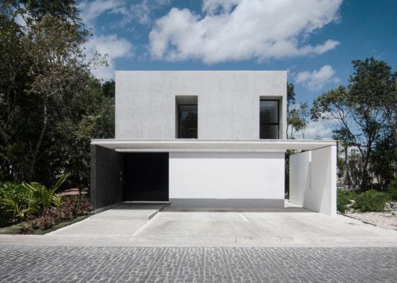 Diseño de fachada minimalista de dos niveles