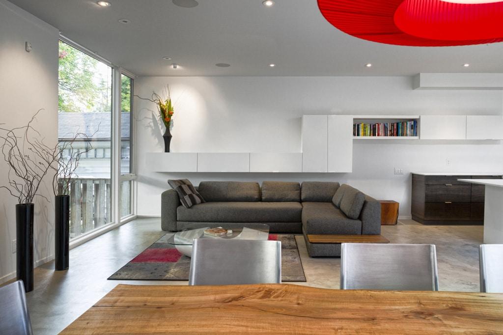 Dise o de casa de dos plantas en esquina fachada e for Decoracion de pisos interiores