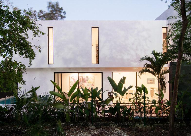 Dise o de casa minimalista de dos pisos planos y fachadas for Diseno de casa sencilla