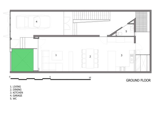 Plano de casa de tres pisos