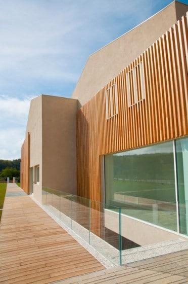 Diseño de casa con materiales reciclados de madera