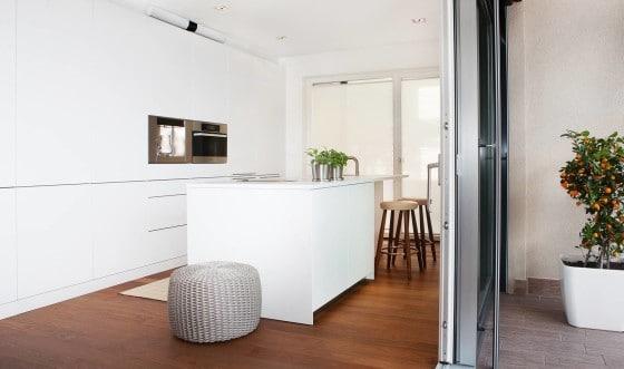 Diseño de cocina color blanco