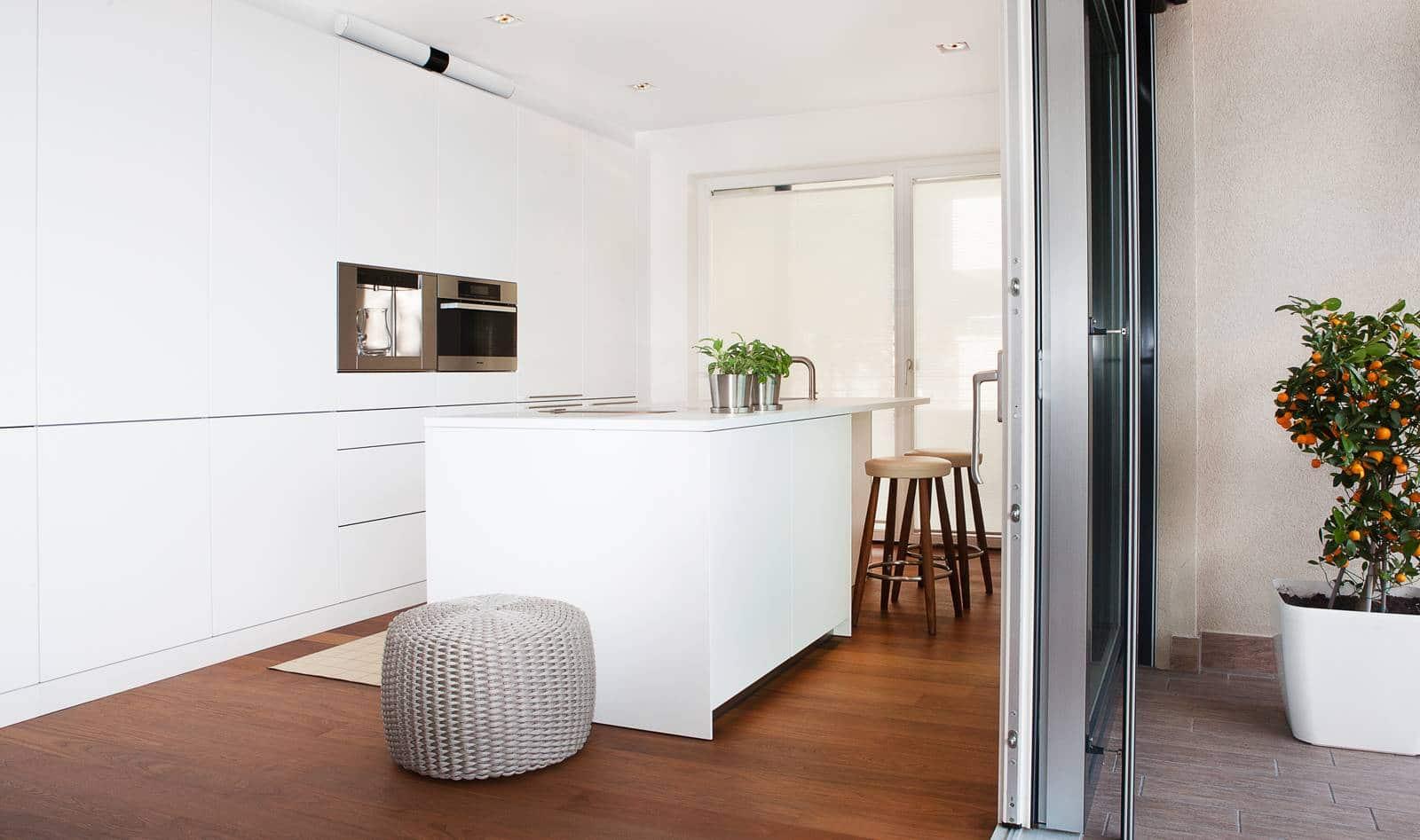 Dise o de planos de apartamento e interior construye hogar - Televisor para cocina ...