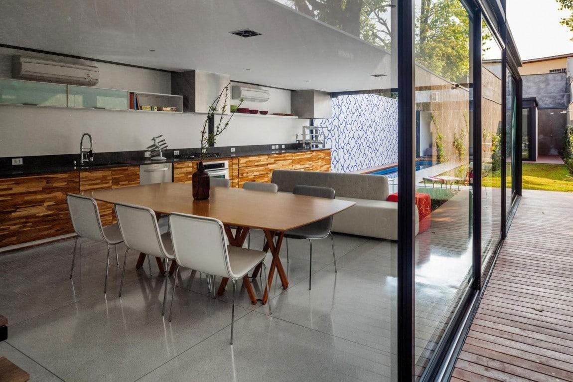 Dise o de casa larga y angosta con planos y fachada for Diseno de modulares para comedor