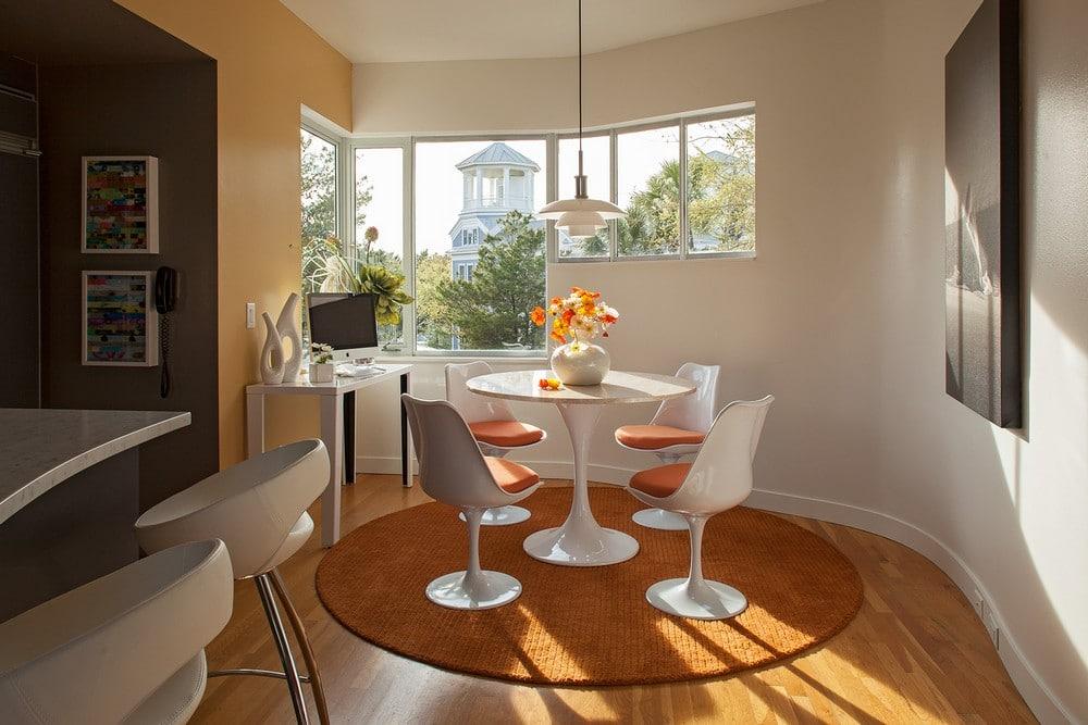 Dise o de casa ubicada en esquina moderna construye hogar for Comedor vintage blanco