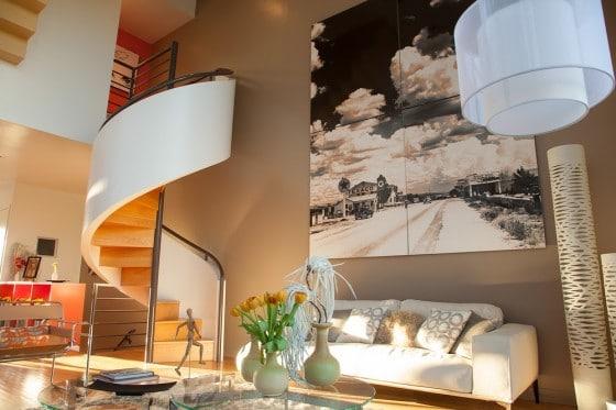 Diseño de escalera caracol moderna