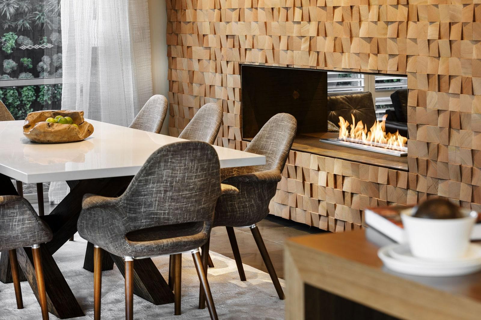 Dise o de casa moderna de dos pisos fachada e interiores - Chimeneas de pared modernas ...