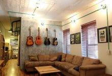 Photo of Diseño de apartamento de dos habitaciones, planos y decoración de interiores estilo industrial