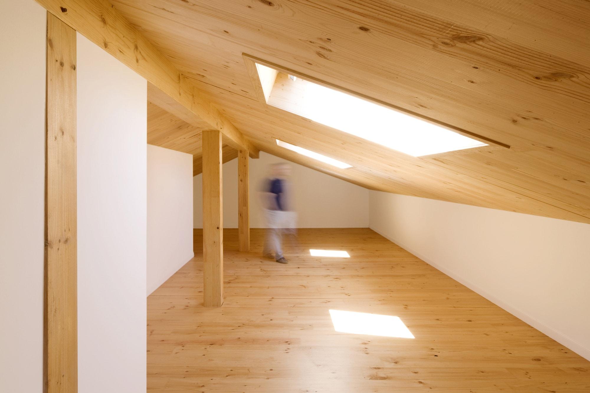 Dise o de casa r stica de piedra planos construye hogar - Construir altillo madera ...