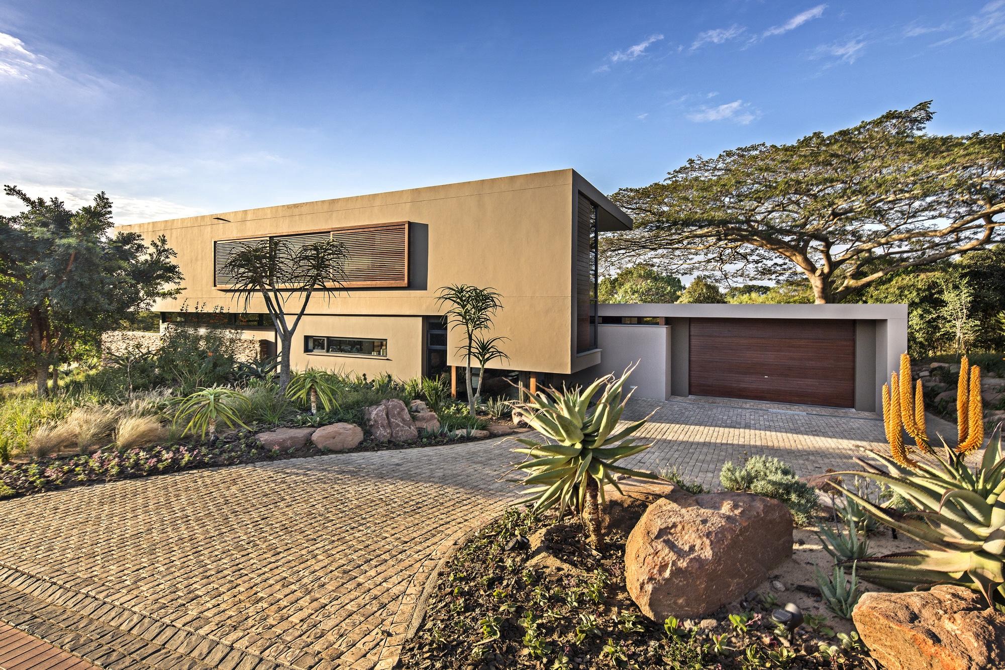 Casa Moderna De Dos Pisos Con Planos