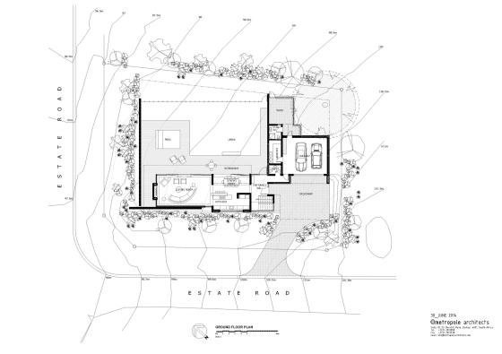 Plano de casa de dos pisos en forma de L
