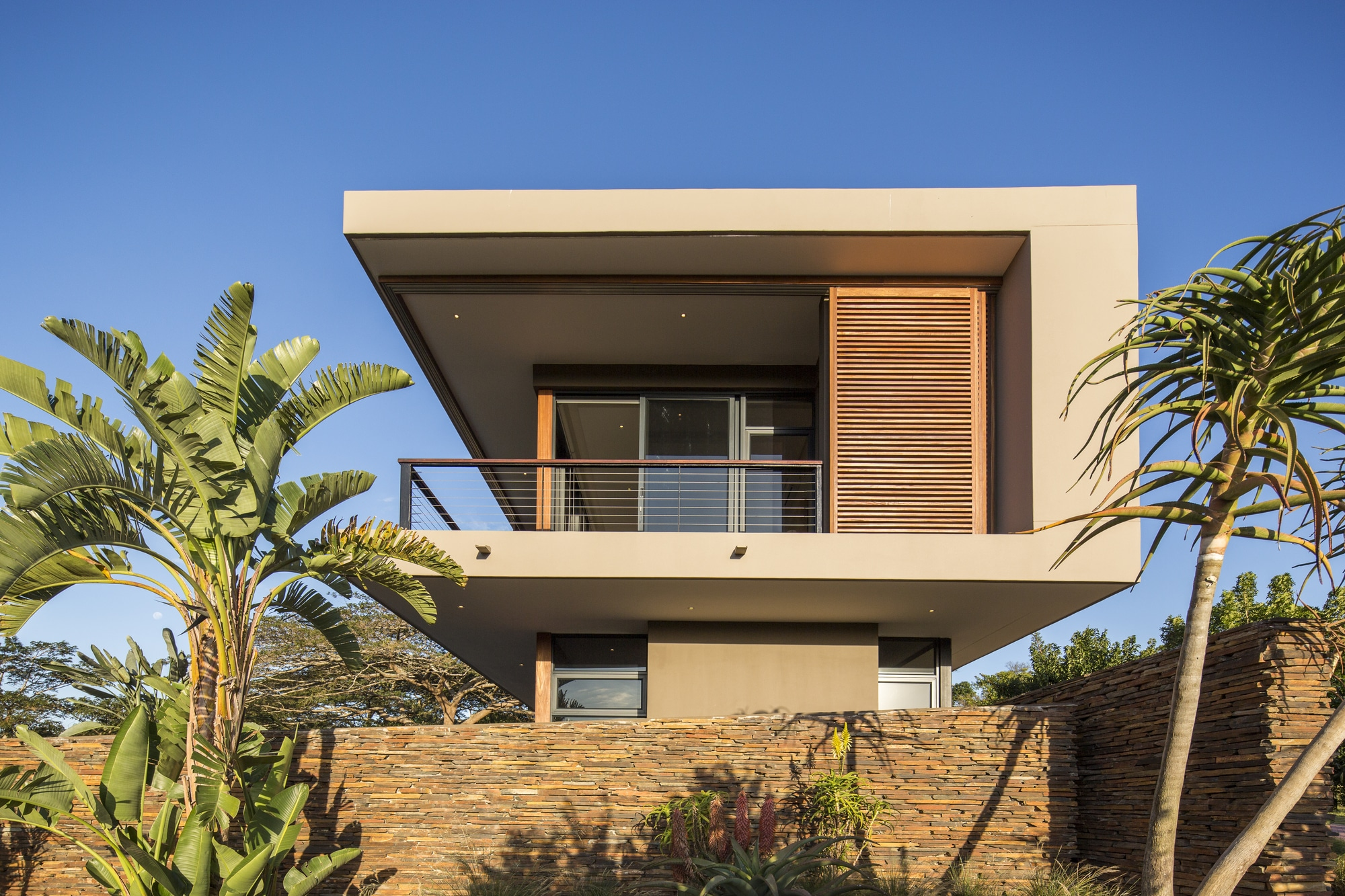Casa moderna de dos pisos con planos construye hogar for Viviendas modernas