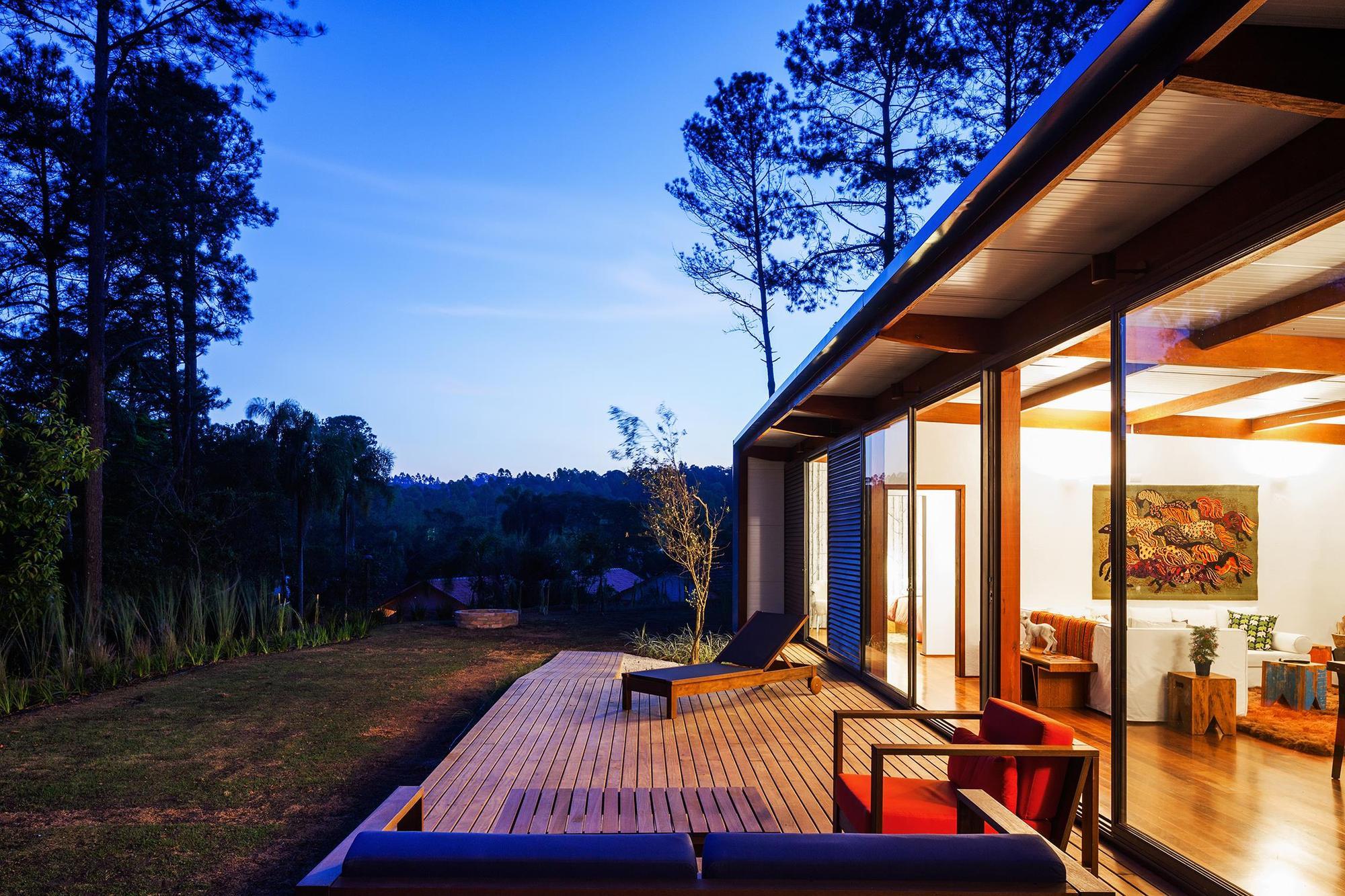 Dise o de casa peque a moderna fachadas y planos - Aromatizantes naturales para la casa ...