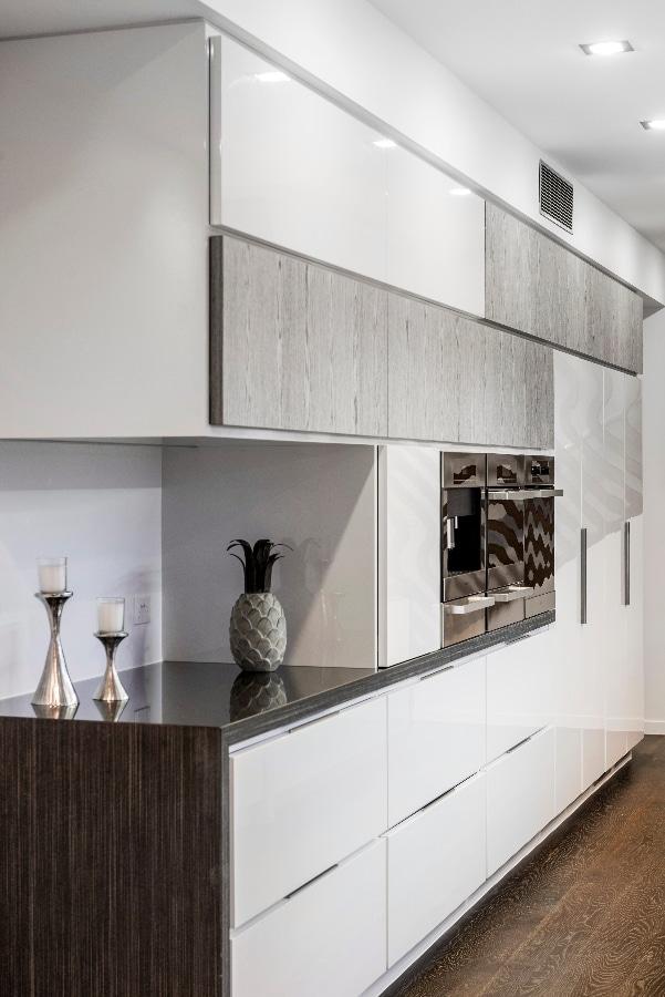 Detalles de dise o de una moderna cocina for Lacar muebles de cocina