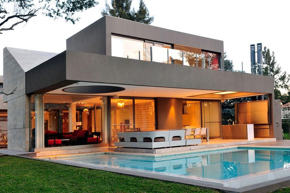 Planos de casa moderna de dos plantas fachada e for Casa minimalista 2018