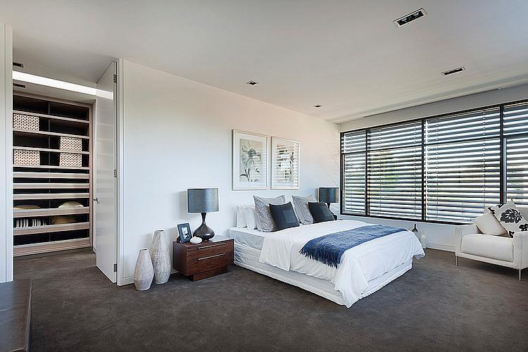 Dise o de casa moderna en esquina fachada e interiores for Diseno de interiores recamara principal
