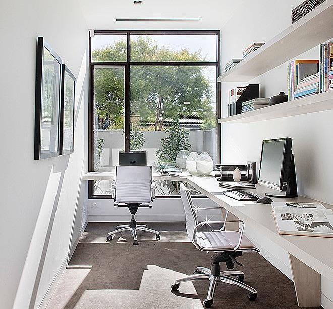 Dise o de casa moderna en esquina fachada e interiores for Estudios minimalistas decoracion