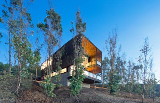 Diseño de fachada de casa moderna de dos pisos