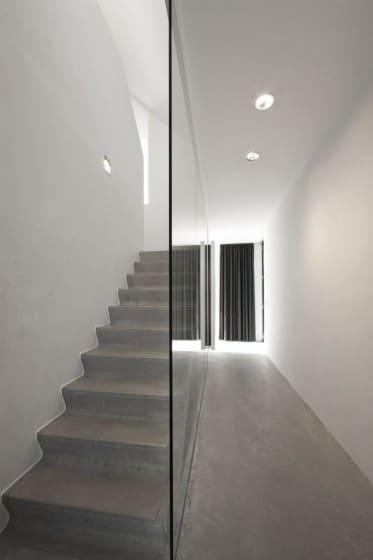 Diseño de moderna escalera de hormigón