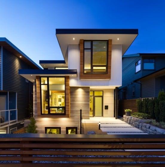 Fachada de casa de dos pisos moderna